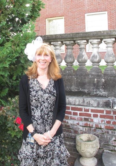 Kristen with Fascinator Hat at Elm Bank IMG_3741